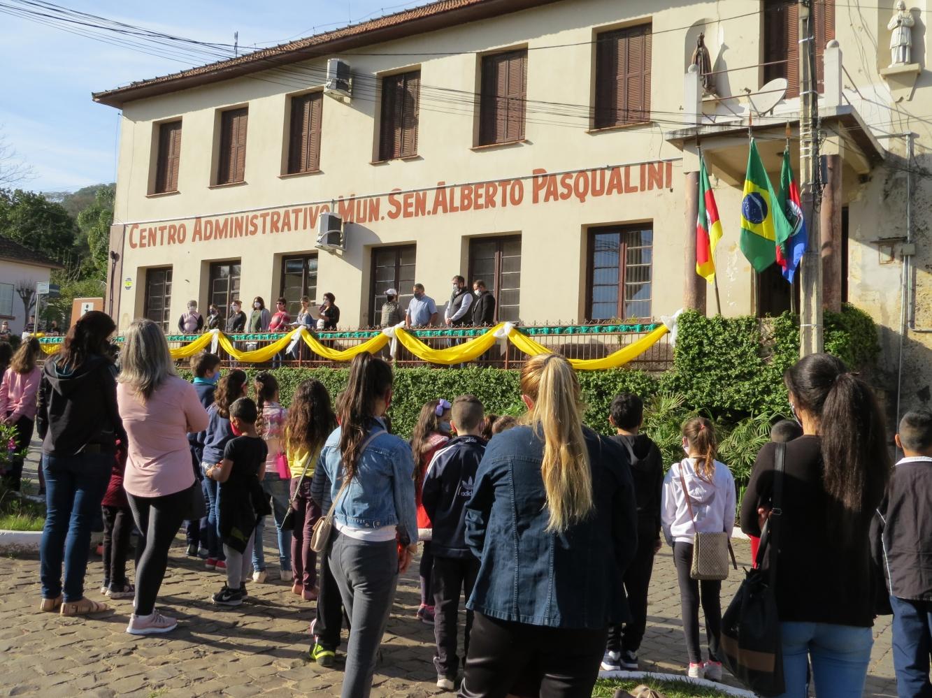 Abertura da Semana da Pátria contou com Banda da 6ª Brigada Militar de Santa Maria