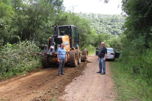 Estradas do interior recebem atenção da Administração Municipal