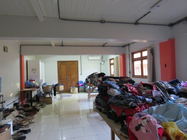 CRAS Conviver de Ivorá promove Feira de roupas