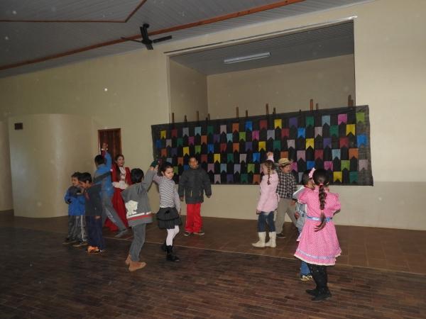 Escolas participam de Festa Junina de Integração