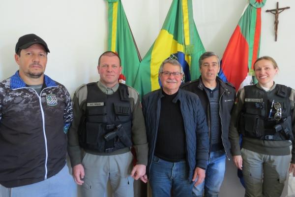 Prefeito Binotto elogia ação da PC e Brigada Militar em Ivorá