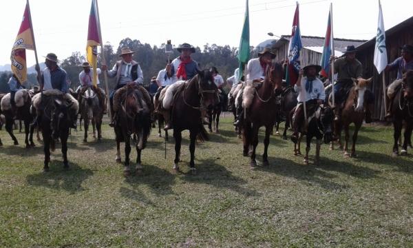 Ivorá promove a XXII Cavalgada e Abertura da Semana Farroupilha