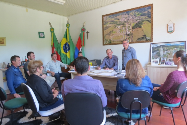 Prefeito Binotto sai de férias e Presidente do Legislativo assume a Prefeitura