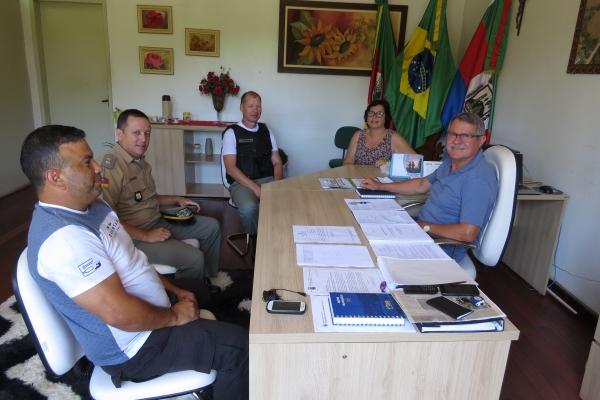 Brigada Militar visita Administração Municipal de Ivorá